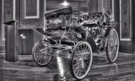 19th århundradetappningBenz Velo bil Arkivfoto