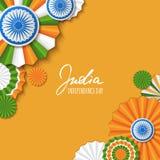 15th Augusti, Indien självständighetsdagen Färgar pappers- stjärnor för vektor i indisk flagga, ashokahjulet, hand dragen kalligr Arkivbild