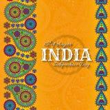 15th av August India Independence Day Hälsningkort med den paisley prydnaden Royaltyfria Bilder