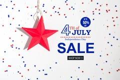 4th av den Juli försäljningen med feriegarneringar Royaltyfria Bilder