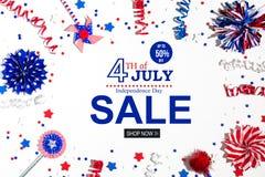 4th av den Juli försäljningen med feriegarneringar Fotografering för Bildbyråer
