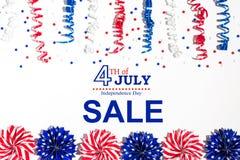 4th av den Juli försäljningen med feriegarneringar Royaltyfri Fotografi