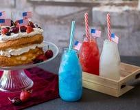 4th av den juli mat och drinken Arkivfoton