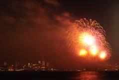 4th av Juli fyrverkerier i New York Arkivfoto