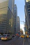 6th aveny och skyskrapor i midtownen Manhattan Arkivfoton
