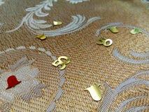 50th confetes do aniversário de casamento foto de stock