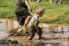 21th corsa annuale di trotto di Pollywog - di Marine Mud Run Immagine Stock Libera da Diritti