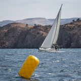 16th Ellada för seglingregatta höst 2016 bland den grekiska ögruppen i det Aegean havet Royaltyfria Bilder