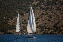 16th Ellada för seglingregatta höst 2016 bland den grekiska ögruppen i det Aegean havet Royaltyfria Foton