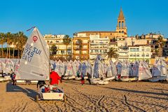 29th INTERNATIONELLA PALAMOS-OPTIMISTTROFÉ 2018, 13TH NATIONKOPP, 15 Februari 2018 stad Palamos, Spanien Arkivfoto