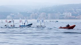 29th INTERNATIONELLA PALAMOS-OPTIMISTTROFÉ 2018, 13TH NATIONKOPP, 16 Februari 2018 stad Palamos, Spanien Arkivfoton