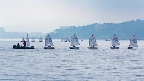 29th INTERNATIONELLA PALAMOS-OPTIMISTTROFÉ 2018, 13TH NATIONKOPP, 16 Februari 2018 stad Palamos, Spanien Royaltyfri Foto