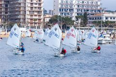 29th INTERNATIONELLA PALAMOS-OPTIMISTTROFÉ 2018, 13TH NATIONKOPP, 16 Februari 2018 stad Palamos, Spanien Arkivbilder