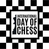 20th Juli - internationell dag av schackbegreppet början av en schacklek på det gamla brädet Arkivfoton
