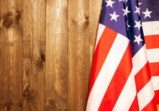 4th Juli, USA-självständighetsdagen, ställe som ska annonseras, wood bakgrund, amerikanska flaggan Royaltyfria Bilder
