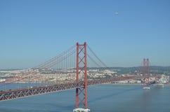 25th Kwietnia most, 25 De Abril Przerzucający most Obraz Royalty Free
