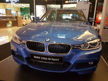 5th marsch 2017, Kuala Lumpur BMW 330 e M Sport skärm Arkivbild
