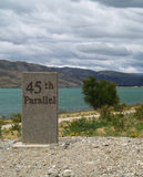 45th parallel milepost Royalty Free Stock Photos