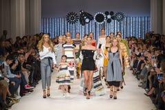 a 39th semana de moda ucraniana em Kyiv Imagens de Stock Royalty Free