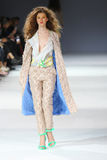 a 39th semana de moda ucraniana em Kyiv Fotos de Stock