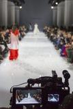 a 39th semana de moda ucraniana em Kyiv Foto de Stock