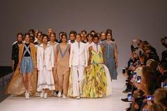 a 39th semana de moda ucraniana em Kyiv, Ucrânia Fotos de Stock