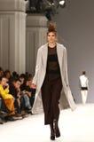 a 40th semana de moda ucraniana em Kyiv, Ucrânia Fotografia de Stock