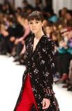 a 40th semana de moda ucraniana em Kyiv, Ucrânia Foto de Stock