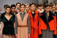 a 40th semana de moda ucraniana em Kyiv, Ucrânia Fotos de Stock
