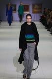 a 40th semana de moda ucraniana em Kyiv, Ucrânia Imagem de Stock