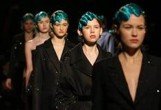 a 40th semana de moda ucraniana em Kyiv, Ucrânia Foto de Stock Royalty Free