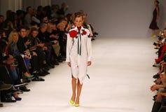 a 39th semana de moda ucraniana Etiqueta uma da coleção Fotos de Stock Royalty Free