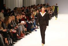 a 39th semana de moda ucraniana Etiqueta uma da coleção Foto de Stock