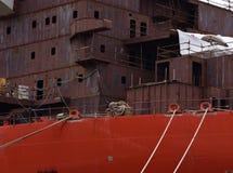 Th skracanie wielki statek w porcie w mieście Pula Chorwacja obraz stock
