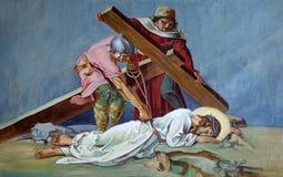 9th stationer av korset, Jesus faller den tredje gången Royaltyfri Bild
