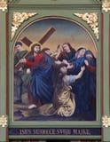 4th stationer av korset, Jesus möter hans moder Arkivbild