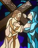 4th stationer av korset, Jesus möter hans moder Arkivfoto