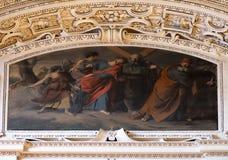 5th stationer av korset, Simon av Cyrene bär korset, fragmentet av kupolen i den Salzburg domkyrkan Royaltyfria Foton