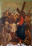 6th stationer av korset, Veronica torkar framsidan av Jesus Royaltyfria Bilder