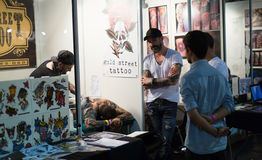 17th upplaga av den Barcelona tatueringexpon i Fira de Barcelona Arkivbild