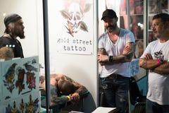 17th upplaga av den Barcelona tatueringexpon i Fira de Barcelona Arkivfoton