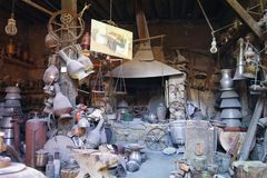 17th 2017 Wrzesień; Lahic, Azerbejdżan - Antykwarski sklep Obraz Stock