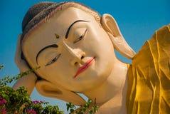砂海螂Tha Lyaung斜倚的菩萨 Bago Myanma 缅甸 免版税库存照片