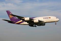 Thai Airways -Luchtbusa380 vliegtuig Stock Afbeeldingen