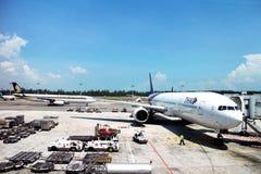 Thai Airways på cockpiten Arkivbilder