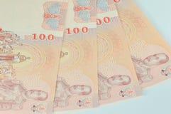 Thai baht 100 för pengar Arkivbilder