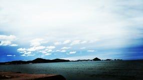 Thai berg och hav Arkivfoton