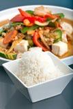 Thai beweegt Gebraden gerecht en Jasmine Rice Royalty-vrije Stock Foto's