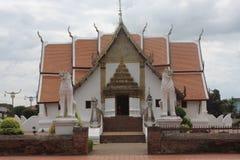 thai buddistiskt tempel Arkivfoto