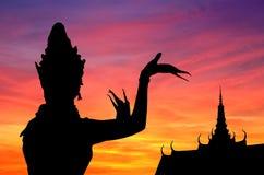 thai danssolnedgång Fotografering för Bildbyråer